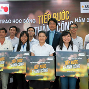 Sapporo trao học bổng