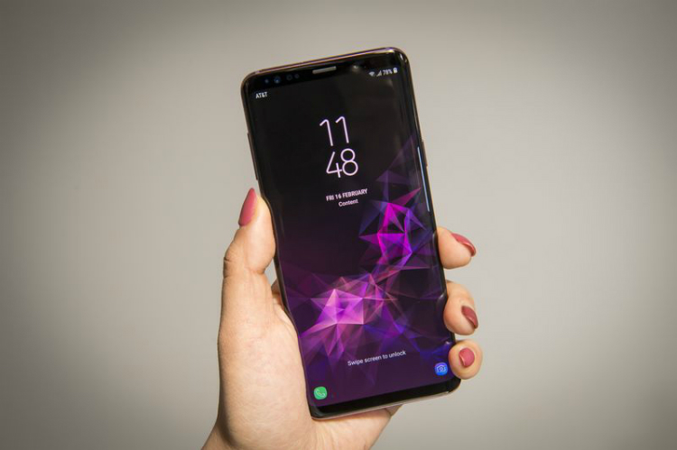 Samsung Galaxy S9 so kè cùng iPhone X