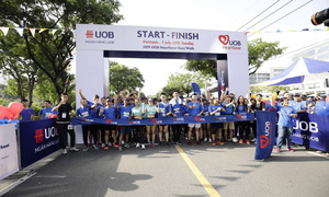 Giải chạy từ thiện vì cộng đồng UOB Heartbeat Run/Walk