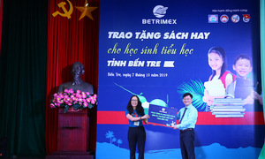 Betrimex tặng sách hay cho học sinh tiểu học tỉnh Bến Tre