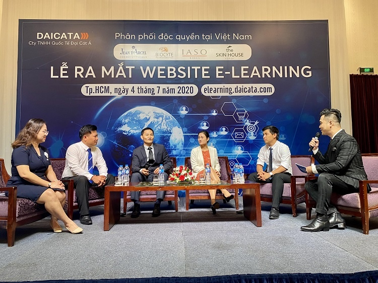 Ra mắt Web E-Learning