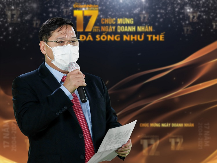 on-stage-Mr-Dung-7898-1633930689.jpg